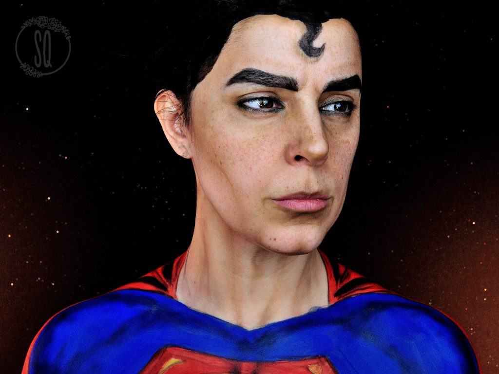 Transformación en SuperMan maquillaje