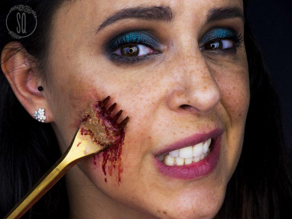 Efecto tenedor clavado en la cara, maquillaje Halloween